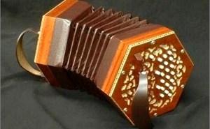 BASTARI ダイアトニック コンサーテイーナ W-40-M【入門用】コンサーティーナのオススメ!1万円代から買え安いので初心者にオススメ!(20ボタン・40ボタン・48ボタン)【ボタンアコーディオン・バンドネオンっぽい楽器】