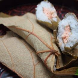 温泉民宿唐松荘のぶどう葉寿司