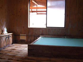 滝見館の浴室