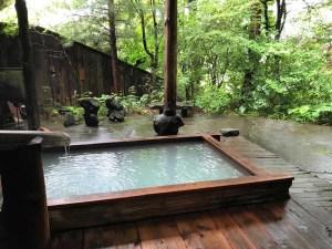 湖藤荘の露天風呂