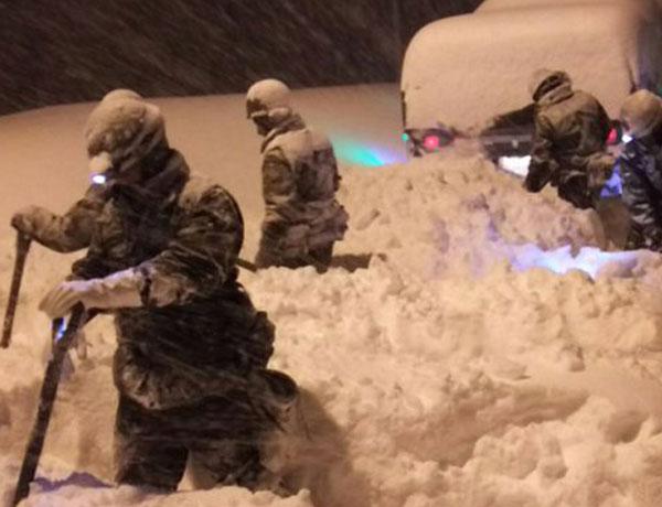 自衛隊2018年福井豪雪 雪かき