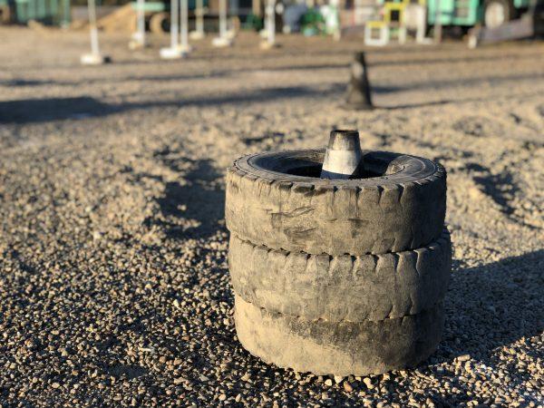 タイヤのある風景