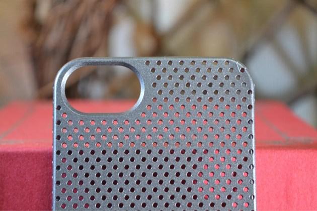 iPhone5s用のパンチングケースデザイン8