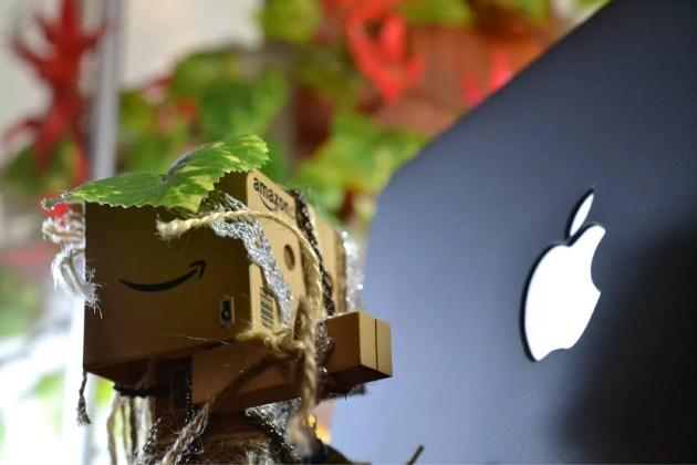 MacBook Airをマットなブラックモデルにするケースを再び