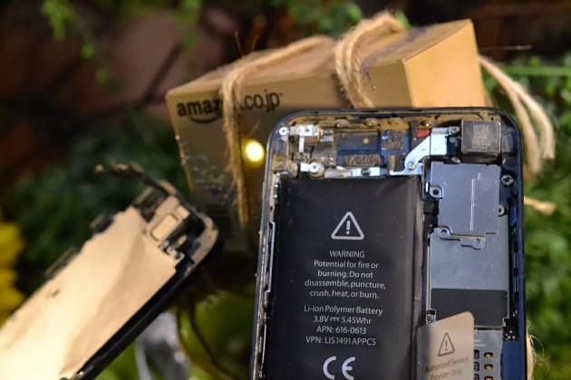 iPhoneを分解して修理