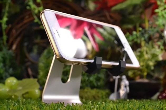なかなかオススメなiPhone充電スタンド