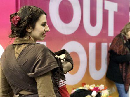 Marina Weisband (Piraten Partei) auf dem Weg zum Interview – für ein Mini-Shooting ist immer Zeit