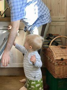 Papa und Liam im Baumhaushotel