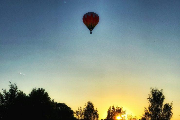 Sprechende Stille – der Heissluftballon steht als Symbol für ein Sternenkind