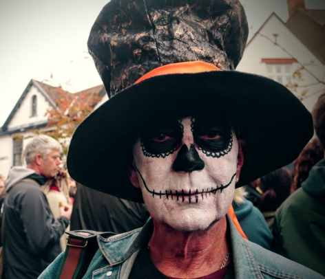 Glastonbury Samhain Celebration in the High St 2016