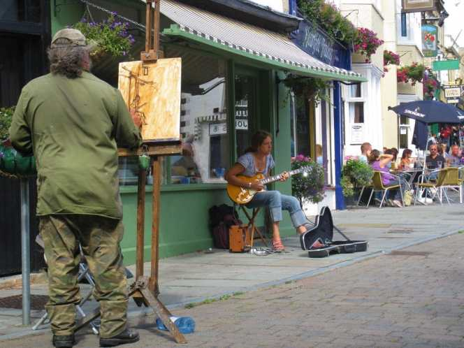 Painter in Glastonbury, Market Cross