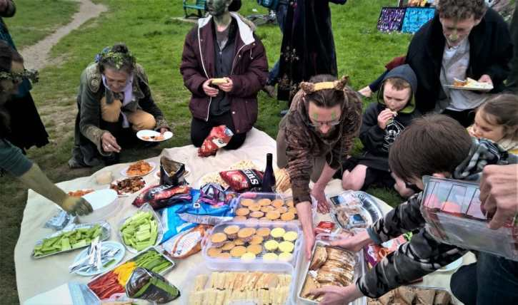 Nicki made everyone a picnic!