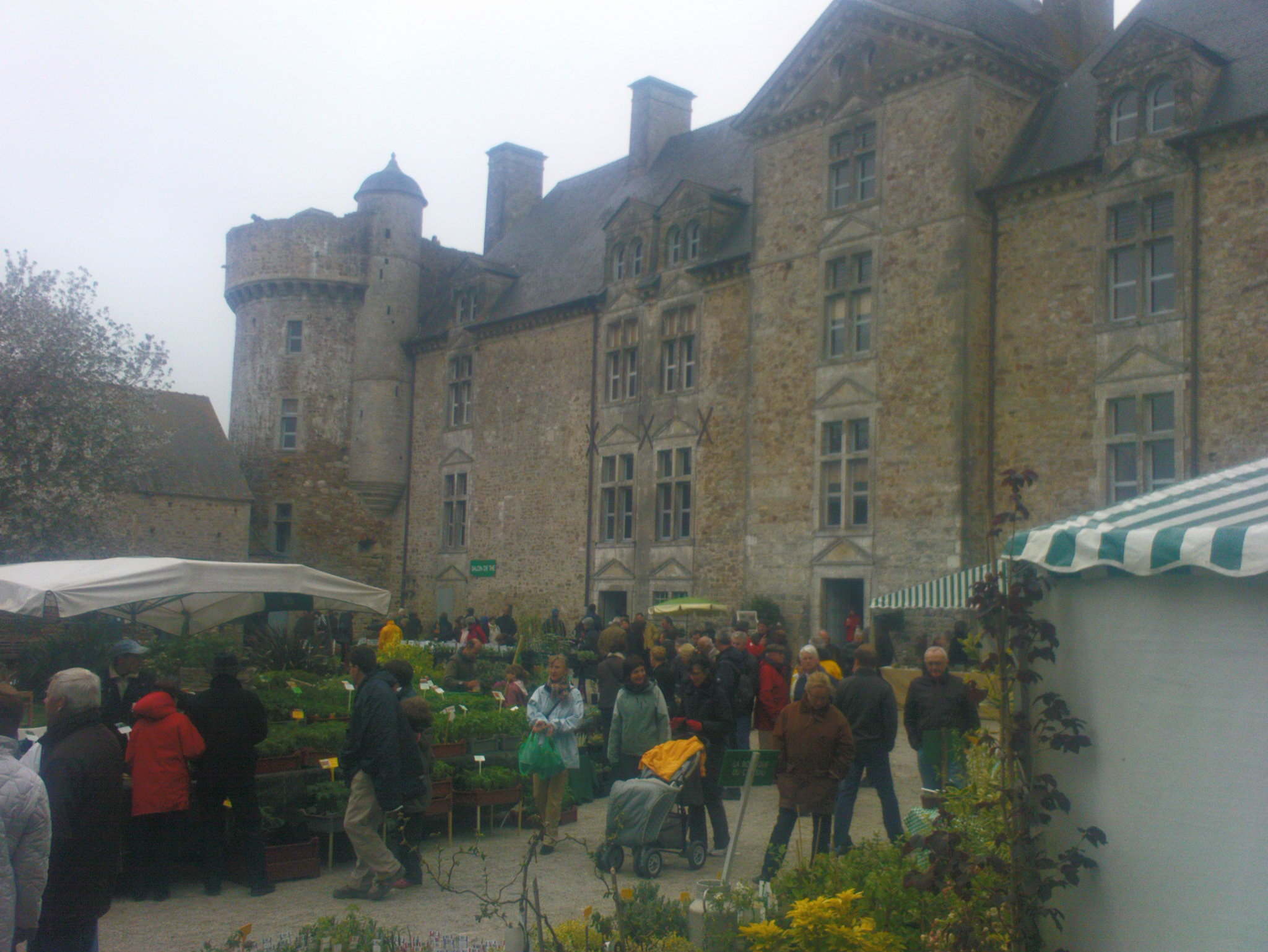 crosville-chateau-normandy-bed-and-breakfast
