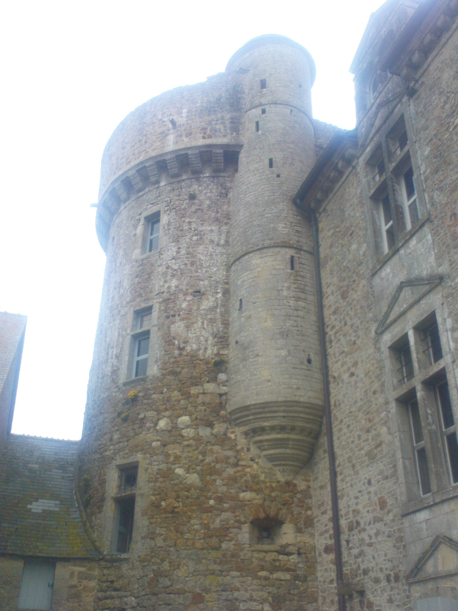 crosville-chateau-turret