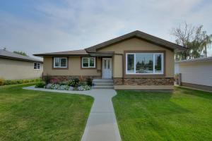 9219-62-St-NW-Edmonton-AB-T6B-large-004-6-Front-of-Home-1500x1000-72dpi