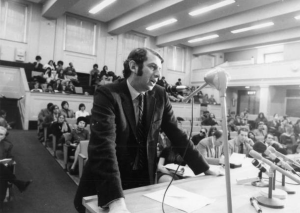 Lester Grinspoon testifies before the Massachusetts House, 1971