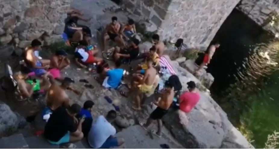 El turismo cutre que vemos en las piscinas de la Vera