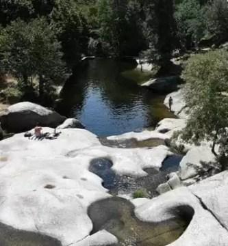 Herido grave un hombre de 39 años tras una caída en la piscina natural de Garganta la Olla
