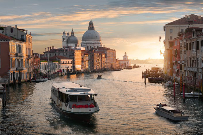 где оставить машину в Венеции