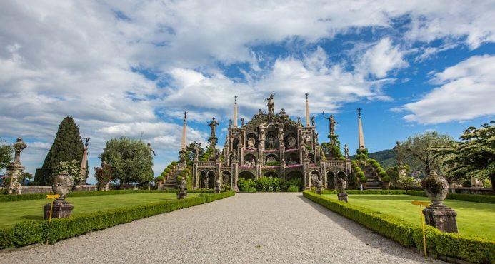 красивые дворцы и Острова Италии