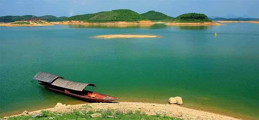 yen-bai-thac-ba-lake