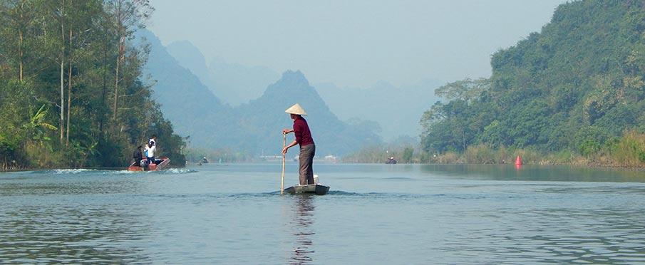vietnam-traveling-perfume-pagoda