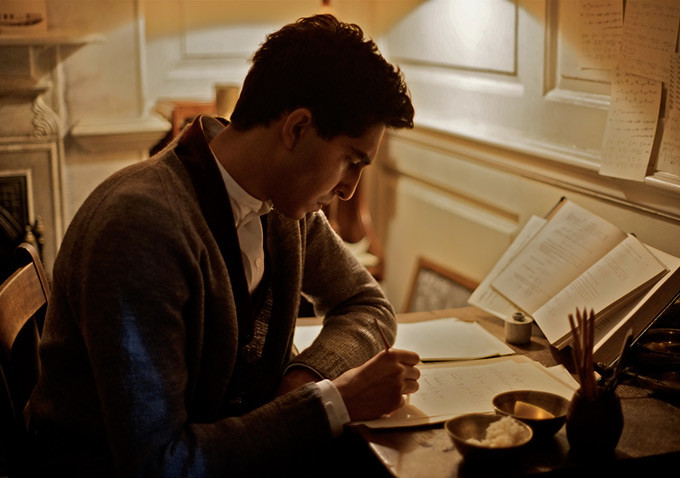 Ramanujan (Dev Patel) always on the go. (The Man Who Knew Infinity)