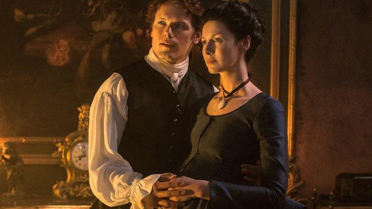 Jamie Fraser (Sam Heughan) & Claire Fraser (Balfe) (Outlander, Starz)