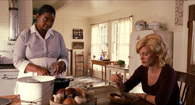 Minnie (Octavia Spencer) & Celia Foote (Jessica Chastain) (The Help, Dreamworks Pictures)