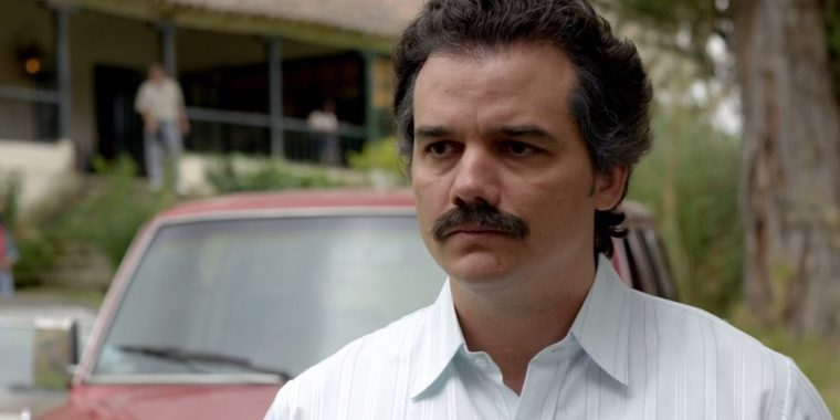 Wagner Moura's ruthless and cunning Pablo Escobar (Narcos, Netflix)