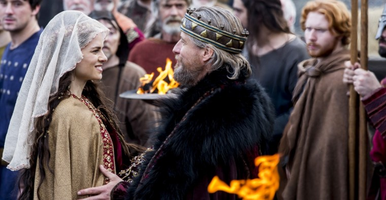 Princess Trintrith (Amy Bailey) and King Ecbert (Linus Roach) in Vikings (Vikings, History Channel)