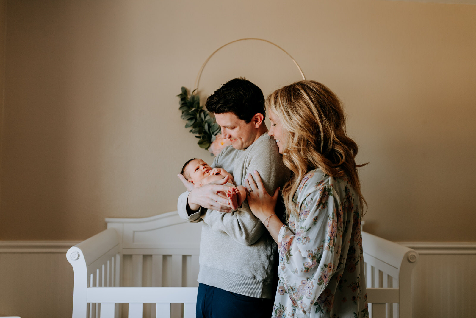 DENVER-COLORADO-LIFESTYLE-NEWBORN-PHOTOGRAPHY-IN-THE-HOME-NORTH-ARROW-CREATIVE