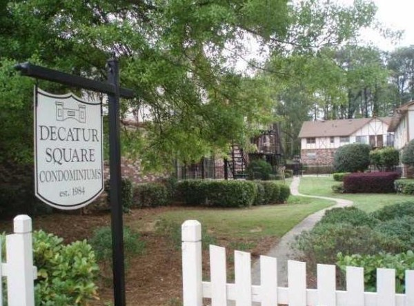 Decatur Square Condos At Glenlake Park