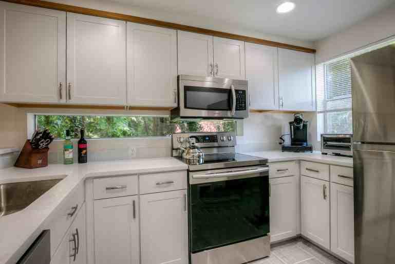 Suite 5 Kitchen (2)
