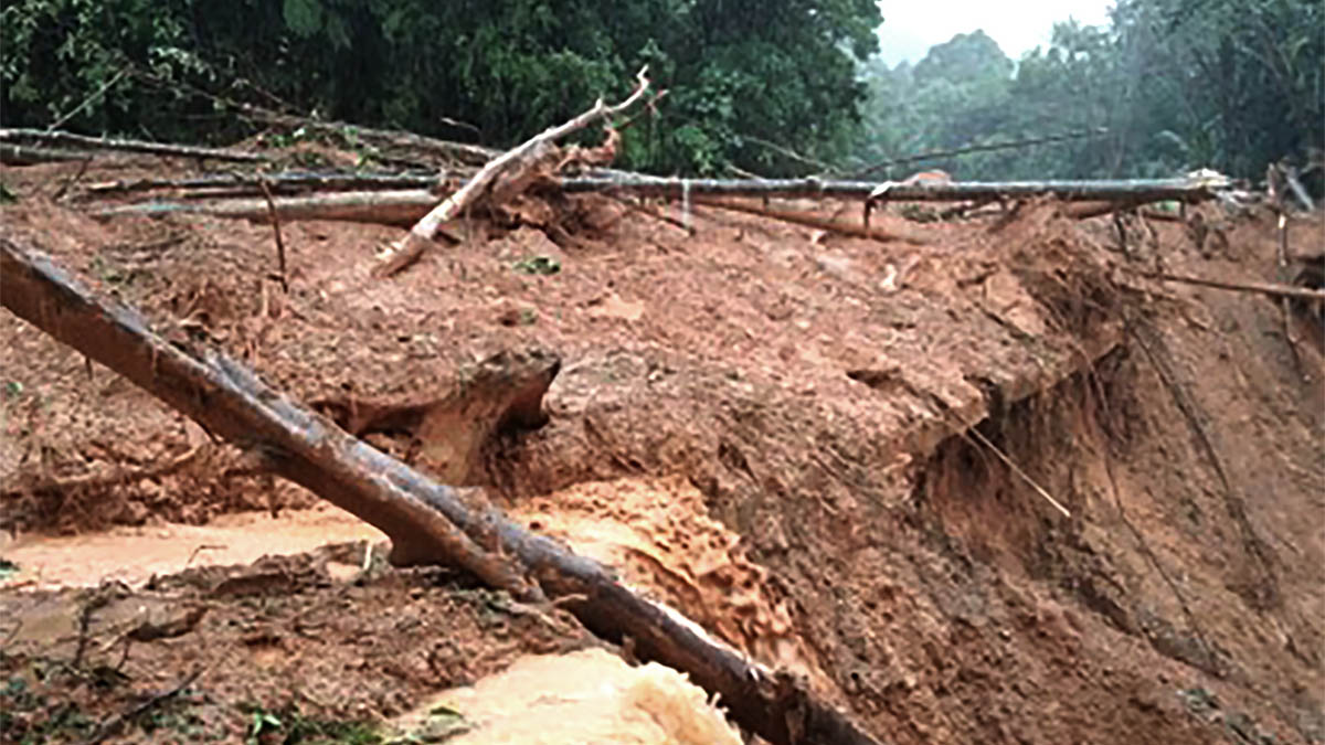 Non-stop rains cause landslides, flood in parts of N. Luzon