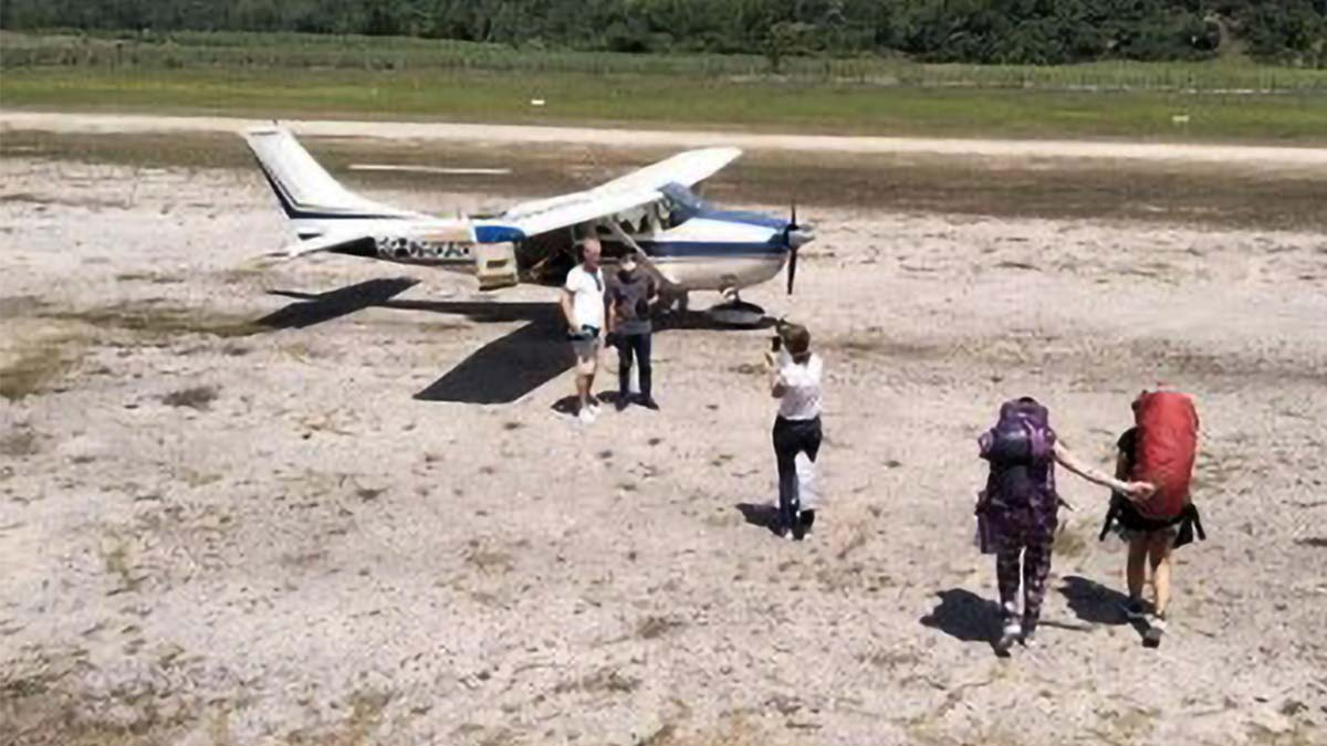 Foreign tourists repatriated from NegOcc; over 100 still stranded