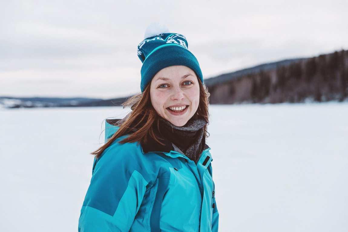 Hiking with snowshoes in Åre | Photo © Rania Rönntoft | Northbound Journeys | www.northboundjourneys.com