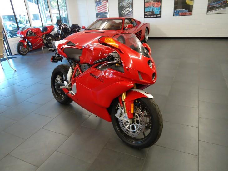 2005 Ducati 749R R Front