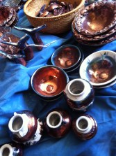 small and simple pots
