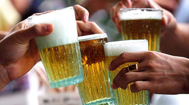 Assam : Excise department suspended 6 staff