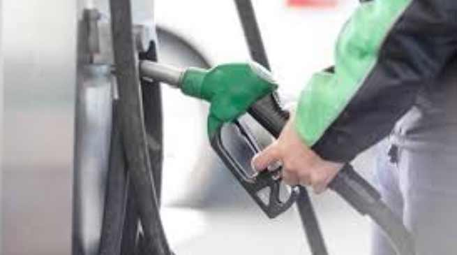 government announces Rs 2.50 per litre cut in petrol and diesel prices