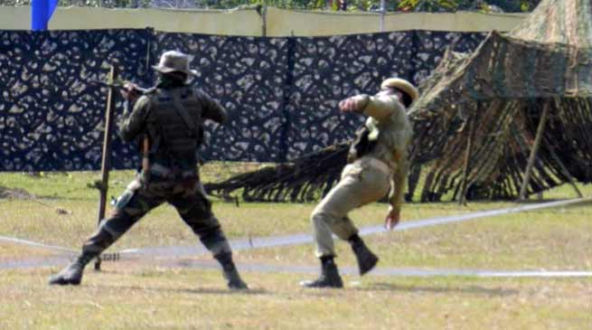 Assam: Red Horns organised know your Army display at Chirang