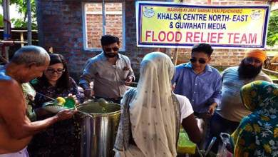 Assam: Guwahati Media distributes Flood Relief in Association with Khalsa Centre