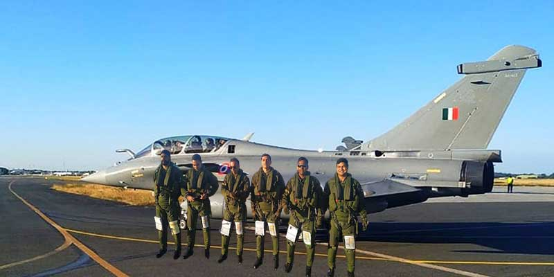 Five Rafale fighter jets took off from France airbase to India