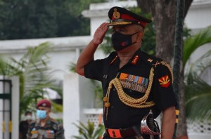 Lieutenant General Manoj Pande takes over as GOC-in-C Eastern Command