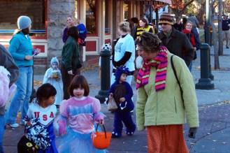 halloween_giraffelaugh_2005