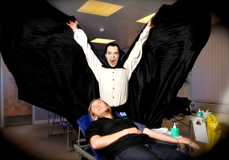 Amy Dutton mesmerised by Dracula's Presence (Photo: Brian Slater)