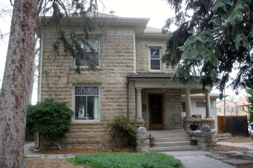 316 W. Mountain was built in 1901 by Franklin Avery for his son, Edgar, as a wedding present.