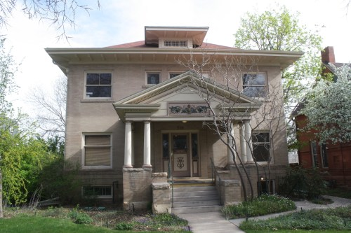 Originally owned by H. L. Daily in 1906, the house at 318 E. Oak St. was sold to Charles Blunck, a sheep rancher, and remained in the Blunck family until 1953.
