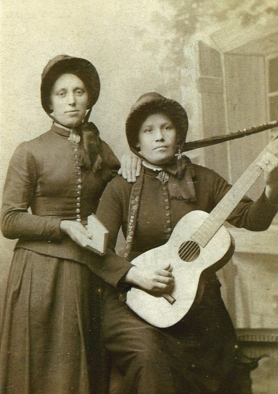 Sisters Maria and Anna in Sweden. (Photo courtesy of Nancy Claussen.)